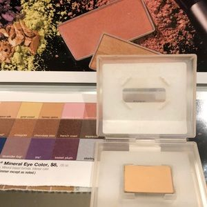 NEW Marykay mineral eye color, Golden Vanilla